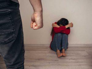 התעללות בילדים במשפחה